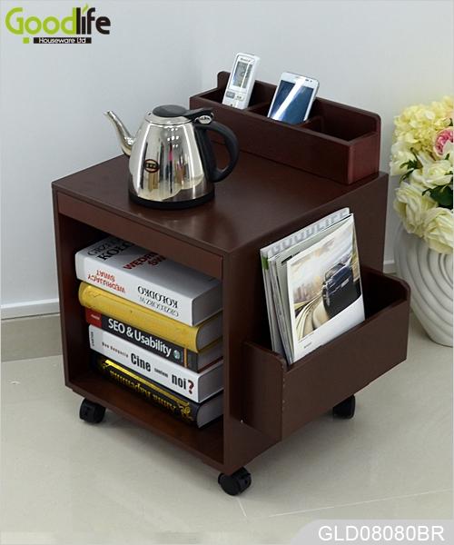 Gabinete de almacenamiento de madera con ruedas con el for Gabinete de almacenamiento dormitorio