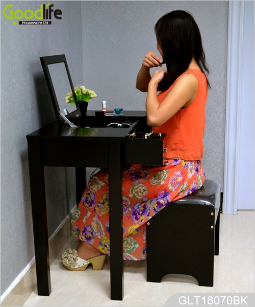 Wooden dressing table simple design for bedroom women for Womens dressing table